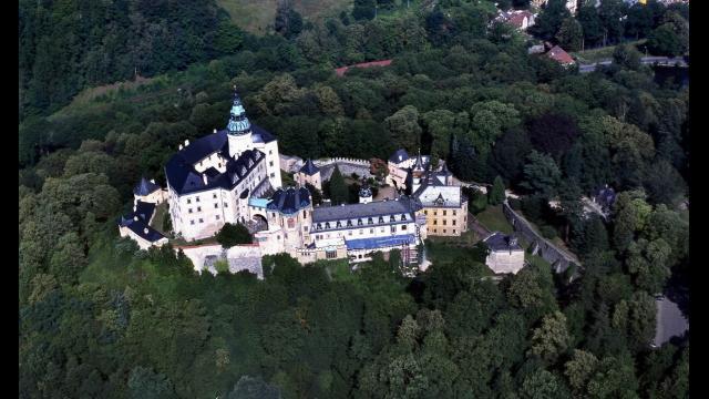 Hrad a zámek Frýdlant   letecký pohled