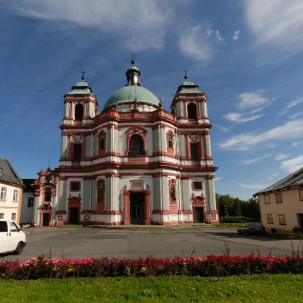 Jablonné v Podještědí - Bazilika svatého Vavřince a svaté Zdislavy