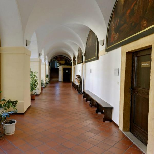 Hejnice   Františkánský klášter
