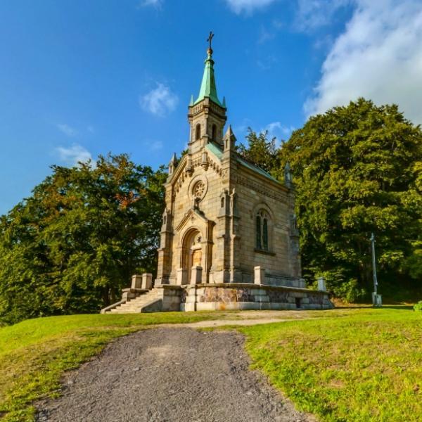 Riedlova hrobka - Desná