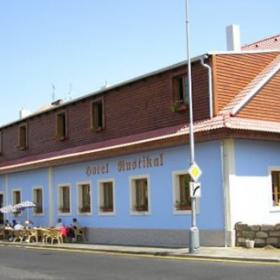 HOTEL RUSTIKAL, DETENICE
