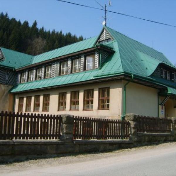 UBYTOVNA SKOLA, VITKOVICE V KRKONOSICH, author: Obec Vítkovice
