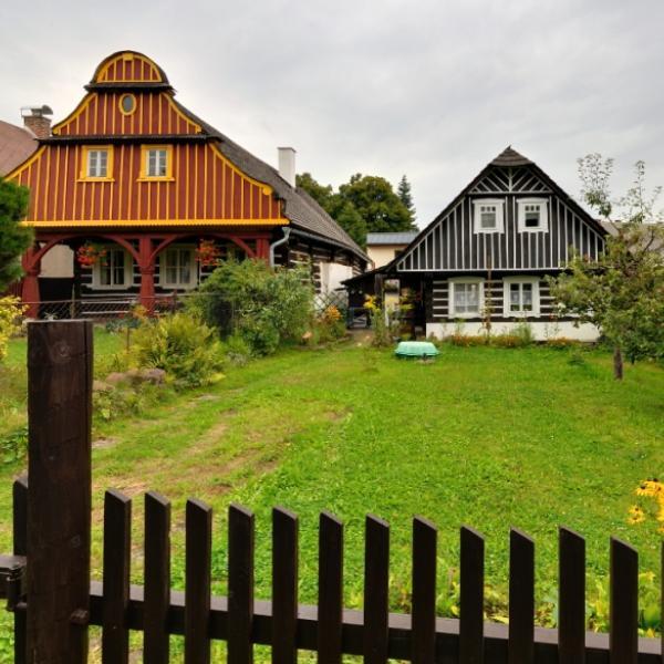 Lomnice nad Popelkou   Vesnická památková rezervace Karlov