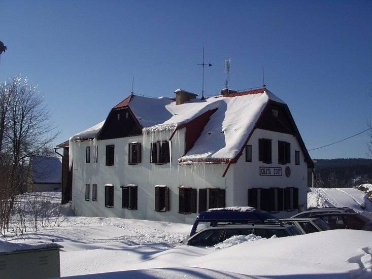 chata Čert v zimě