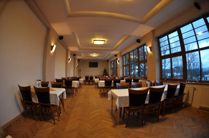 Parkhotel - Smržovka v Jizerských horách, nekuřácká restaurace/salonek