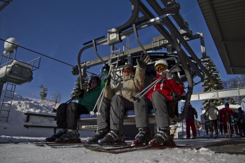 Sedačková lanovka na Tanvaldský Špičák v zimě
