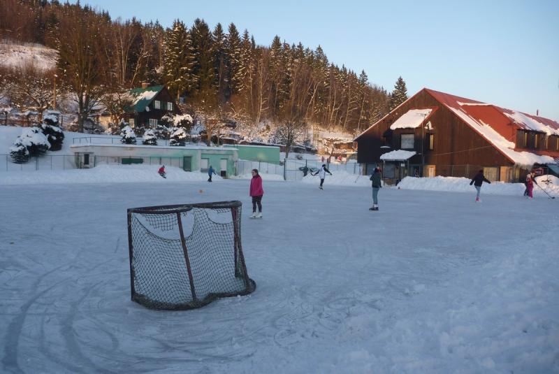Kluziště na tenisových kurtech Tanvald