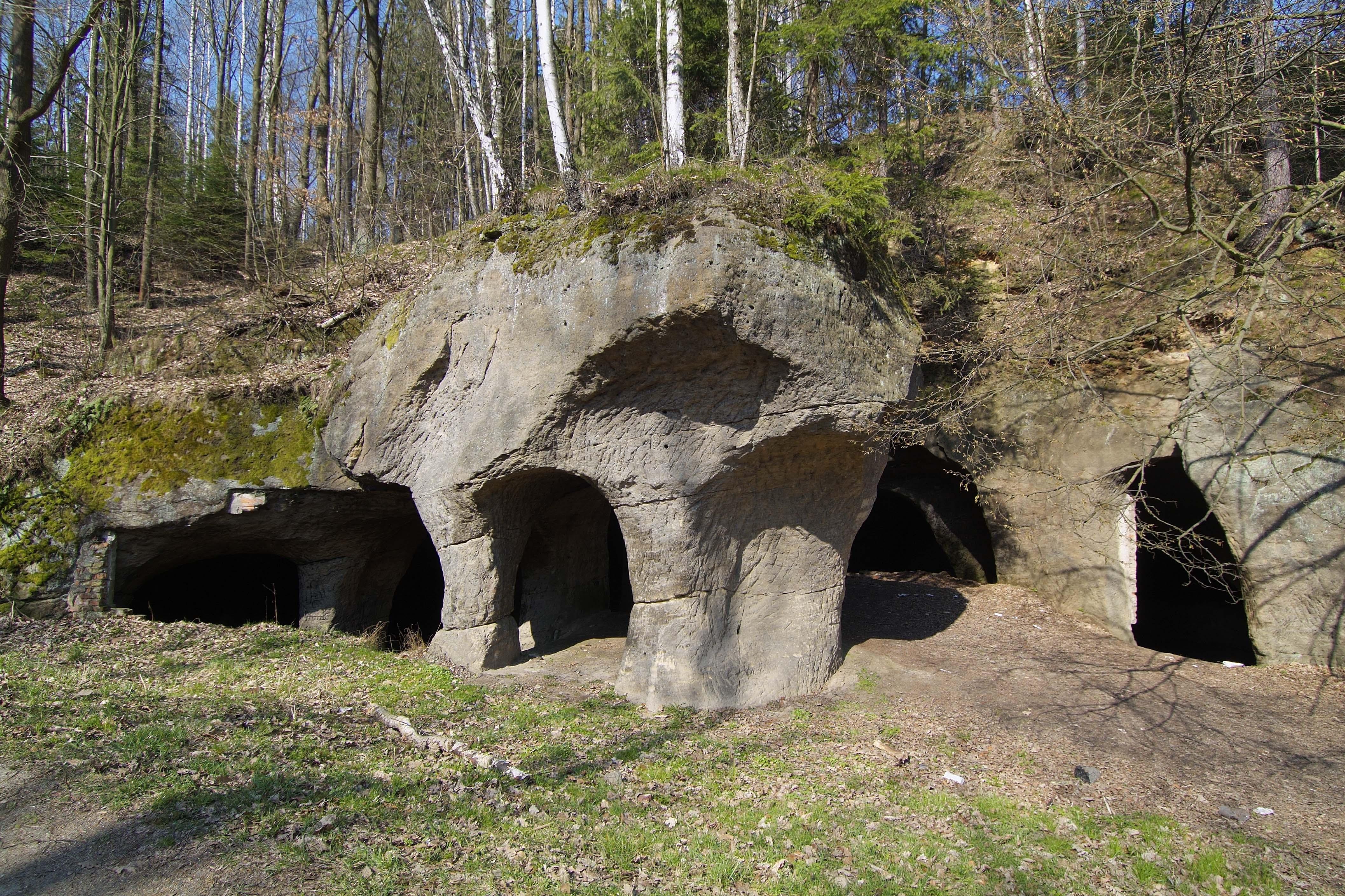 Jeskyně Pusté kostely