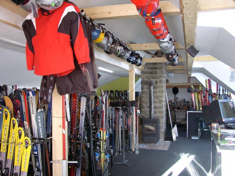 Půjčovna lyží a snowboardů GGR