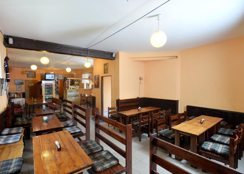 Restaurace a pivnice hotelu U Jezírka